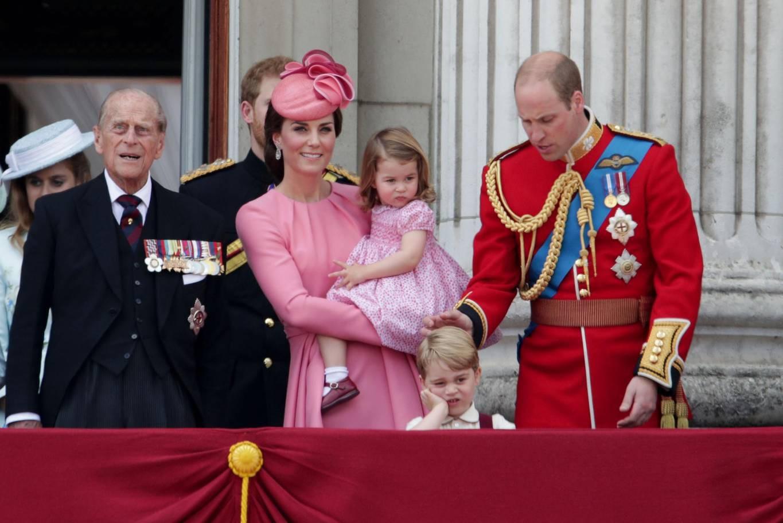 Hơn 40 bức ảnh ghi lại những khoảnh khắc cực đáng yêu cho thấy hành trình lớn lên của Hoàng tử George trong 5 năm đầu đời - Ảnh 23.