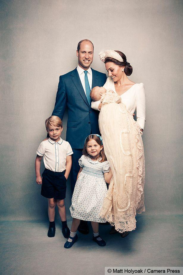 Hơn 40 bức ảnh ghi lại những khoảnh khắc cực đáng yêu cho thấy hành trình lớn lên của Hoàng tử George trong 5 năm đầu đời - Ảnh 34.