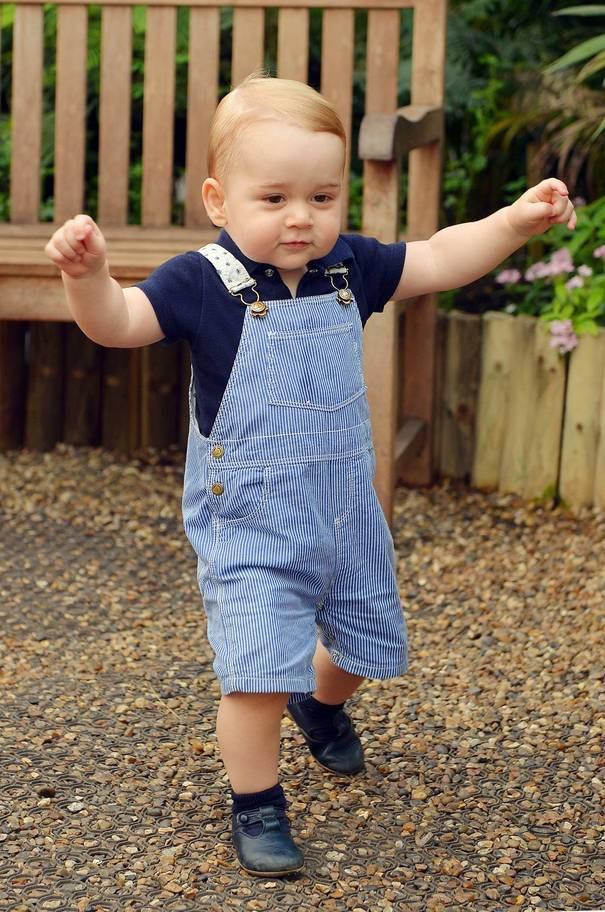 Hơn 40 bức ảnh ghi lại những khoảnh khắc cực đáng yêu cho thấy hành trình lớn lên của Hoàng tử George trong 5 năm đầu đời - Ảnh 6.
