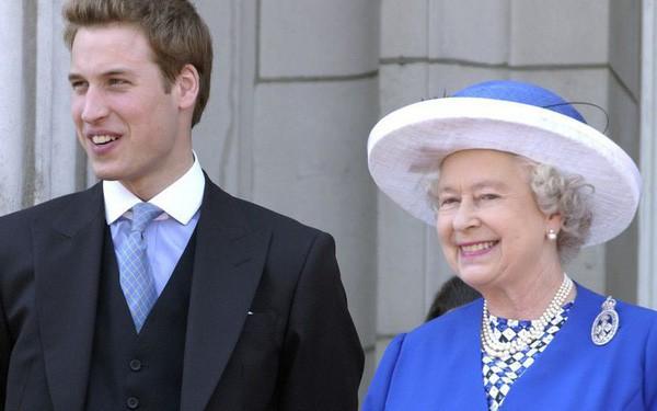 Hoàng tử William bắt đầu được đào tạo để trở thành Nhà vua nước Anh - Ảnh 1.