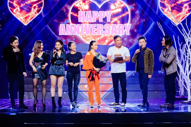 Cẩm Ly - Minh Vy kỷ niệm 14 năm ngày cưới trên sân khấu Ca sĩ thần tượng - Ảnh 5.