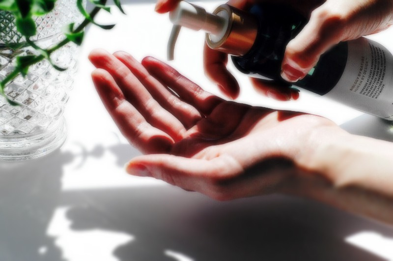 Trị mụn, giảm thâm hiệu quả với 12 sản phẩm tẩy trang dạng dầu luôn được các chuyên gia tin tưởng - Ảnh 16.