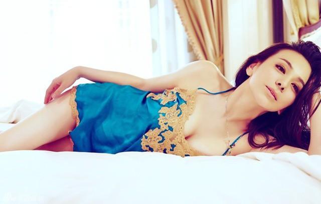 Mỹ nhân showbiz Hoa - Hàn trẻ đẹp khó tin so với tuổi: U45, U60 mà vẫn nuột nà, nóng bỏng chẳng kém gái đôi mươi - Ảnh 6.
