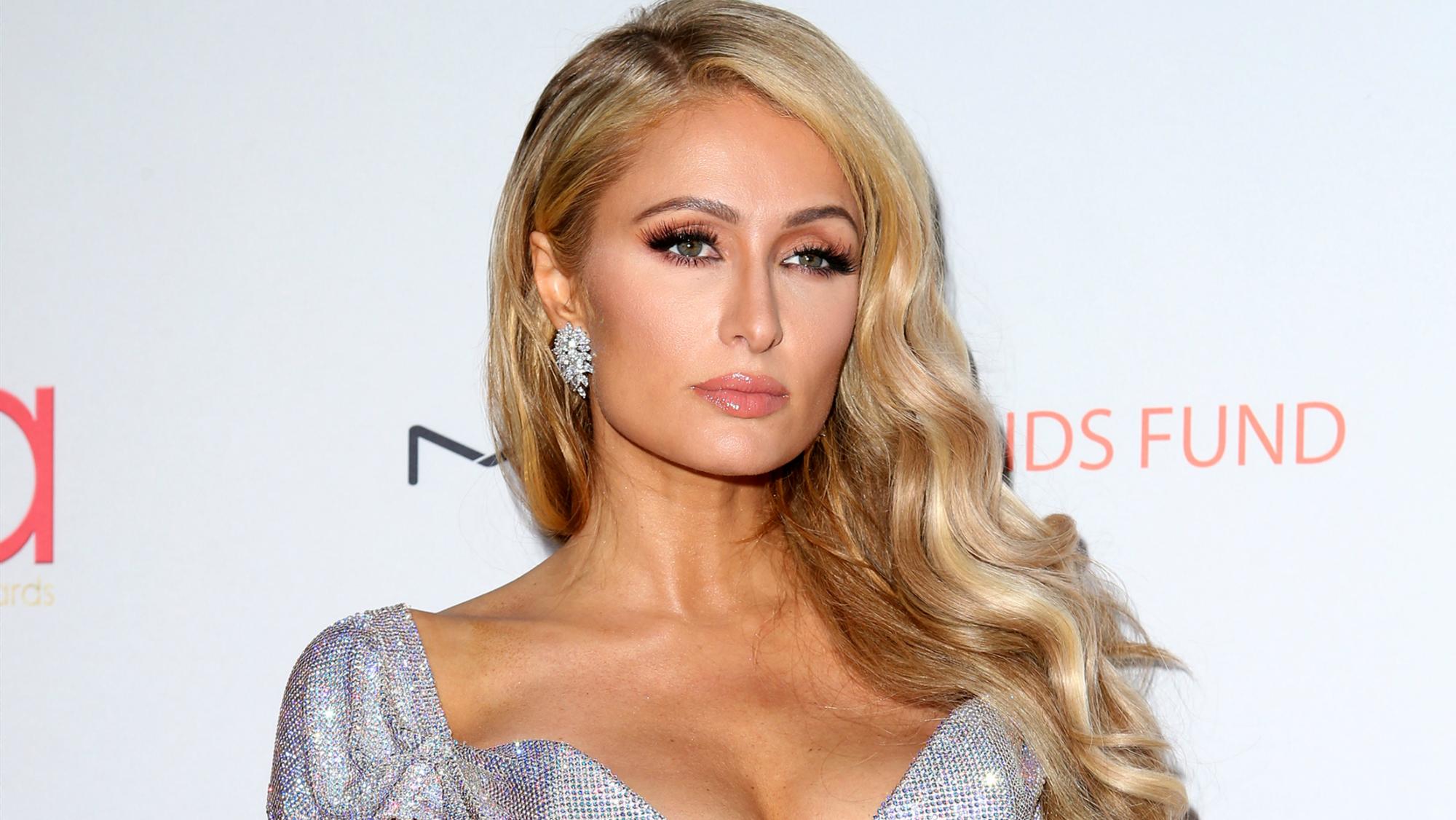 Bí mật ít ai biết giúp Paris Hilton giữ dáng lại trẻ đẹp hơn nhiều so với tuổi thật, tự tin sánh đôi bên hôn phu kém 4 tuổi - Ảnh 1.