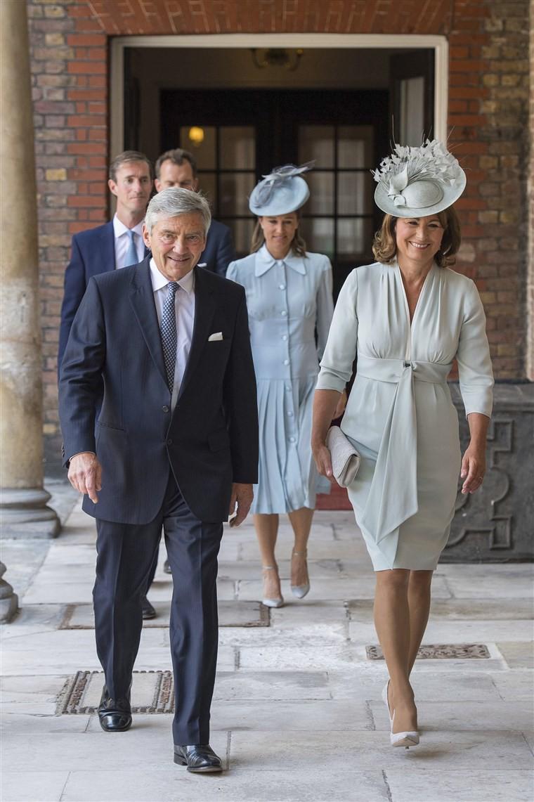 Ngắm nhìn phong cách của mẹ đẻ Công nương Kate mới biết sự thanh lịch, duyên dáng của cô đúng là được thừa hưởng từ mẹ mình - Ảnh 4.
