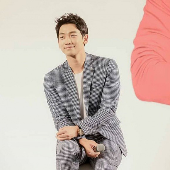 Không biết Kim Tae Hee sẽ phản ứng thế nào khi biết Bi Rain dù bận rộn vẫn làm điều này cho vợ con - Ảnh 4.