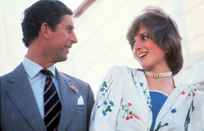 Sau 21 năm, bà Camilla vẫn bị người hâm mộ phản ứng dữ dội, tuyên bố không bao giờ thay thế được Công nương Diana - Ảnh 2.