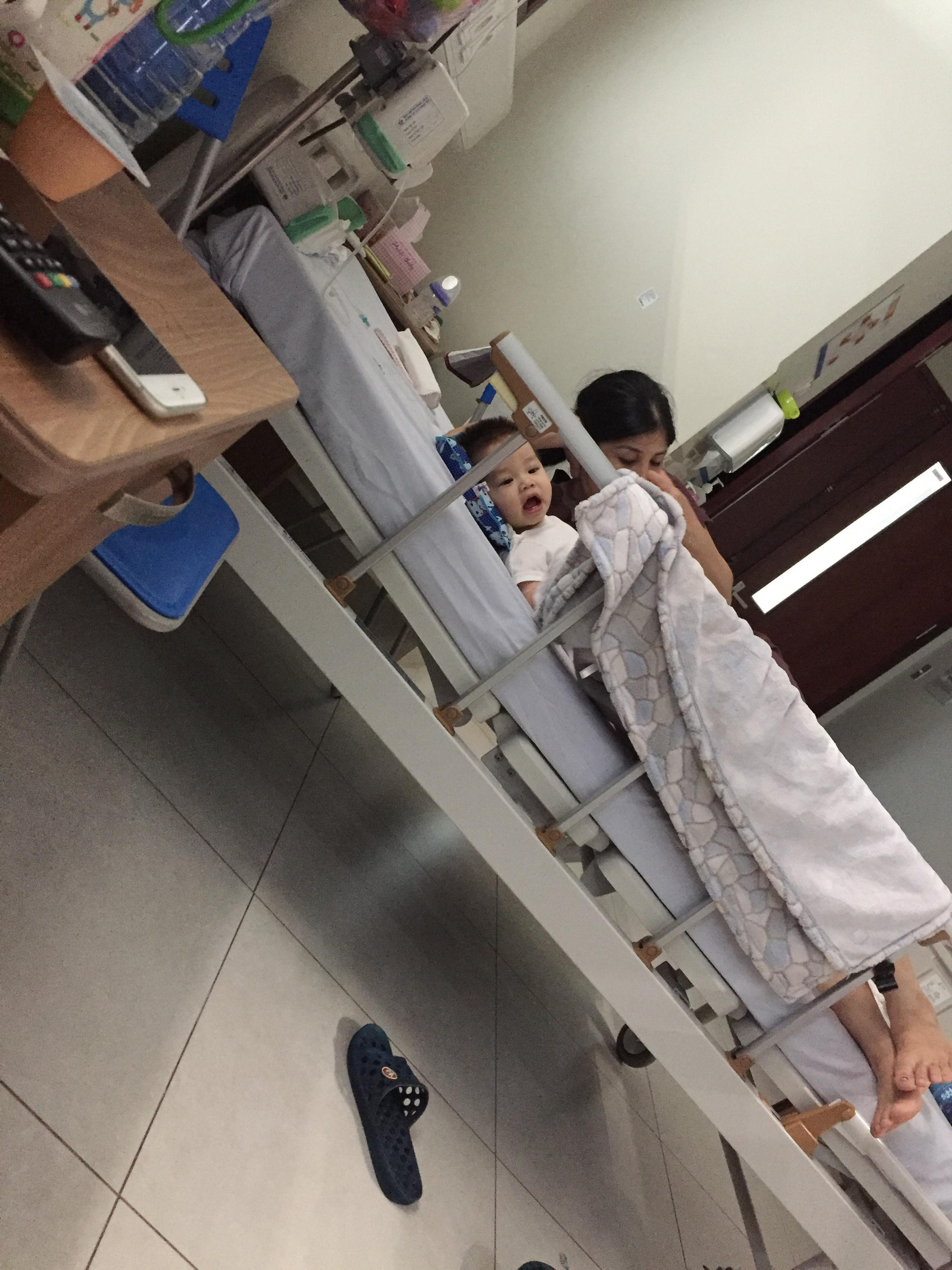 Tưởng chỉ bị đau chân bình thường, ai ngờ bé 10 tháng tuổi mắc phải căn bệnh lạ ở trẻ em - Ảnh 8.
