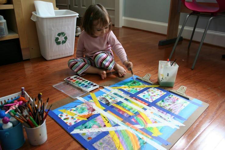 Cuối tuần mà không thể ra ngoài, vẫn còn hàng chục trò chơi trong nhà thú vị khiến bé bận rộn không phút chán - Ảnh 3.