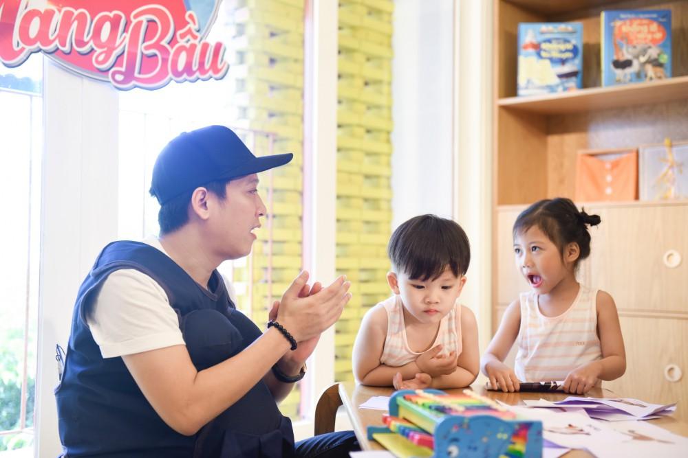 Trấn Thành - Hari Won gây cười không ngớt khi dạy trẻ con nói nhiều - nói ít  - Ảnh 4.
