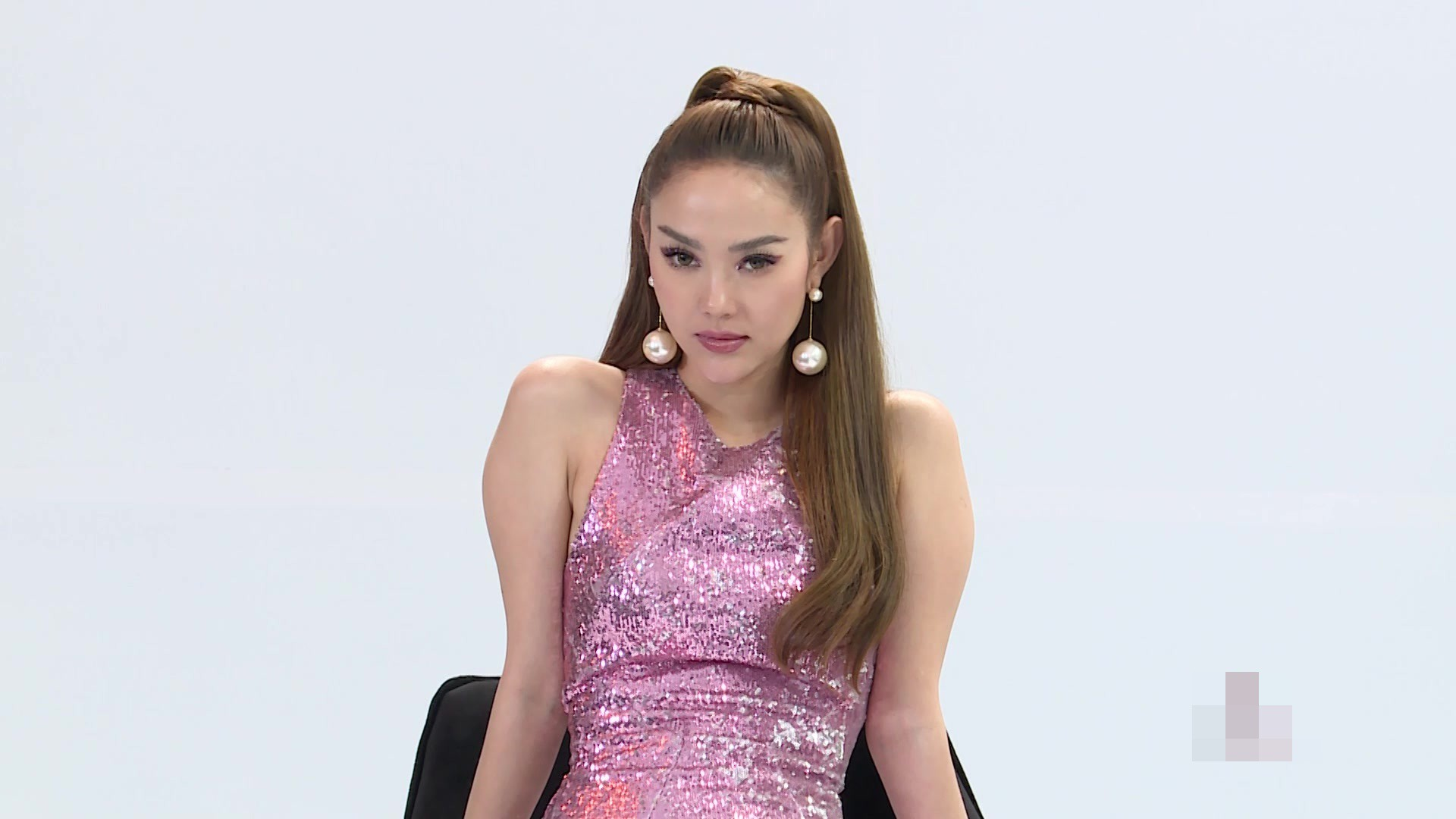 Trước mặt Minh Hằng, Thanh Hằng khẳng định: Đây là Hoa hậu, người mẫu, diễn viên  - Ảnh 5.