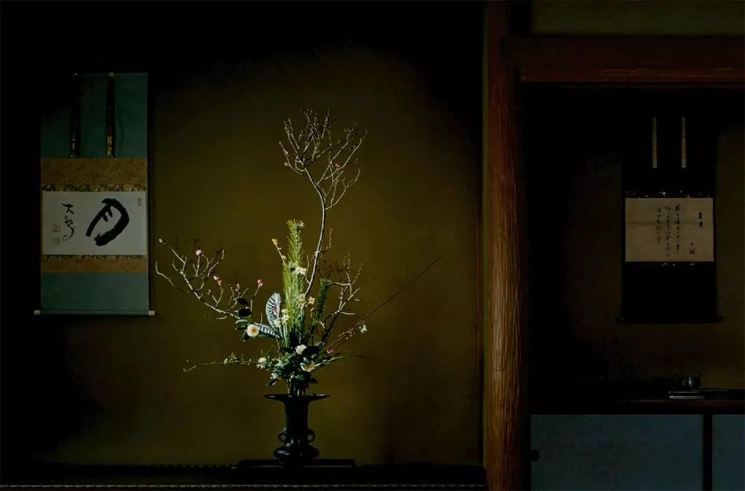 Sau 10 năm ẩn dật, người phụ nữ Nhật Bản trở thành kho báu quốc gia khi được mọi người mệnh danh là bậc thầy cắm hoa - Ảnh 23.