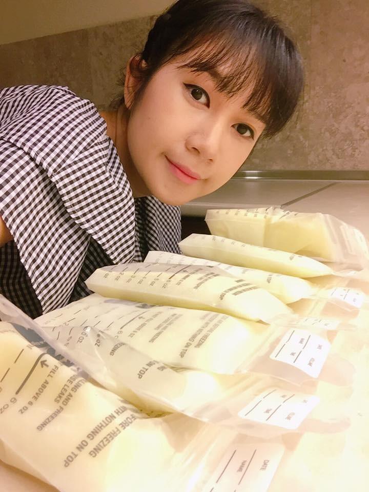 Các bà mẹ sao Việt dù bận rộn cách mấy vẫn trữ cả tủ lạnh sữa mẹ hoành tráng cho con khiến chị em ngưỡng mộ - Ảnh 5.