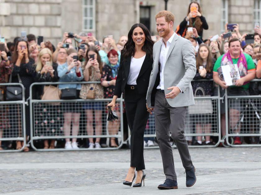 Dù rất đẹp nhưng đây lại là kiểu trang phục hoàng tử Harry không muốn vợ mình mặc - Ảnh 1.