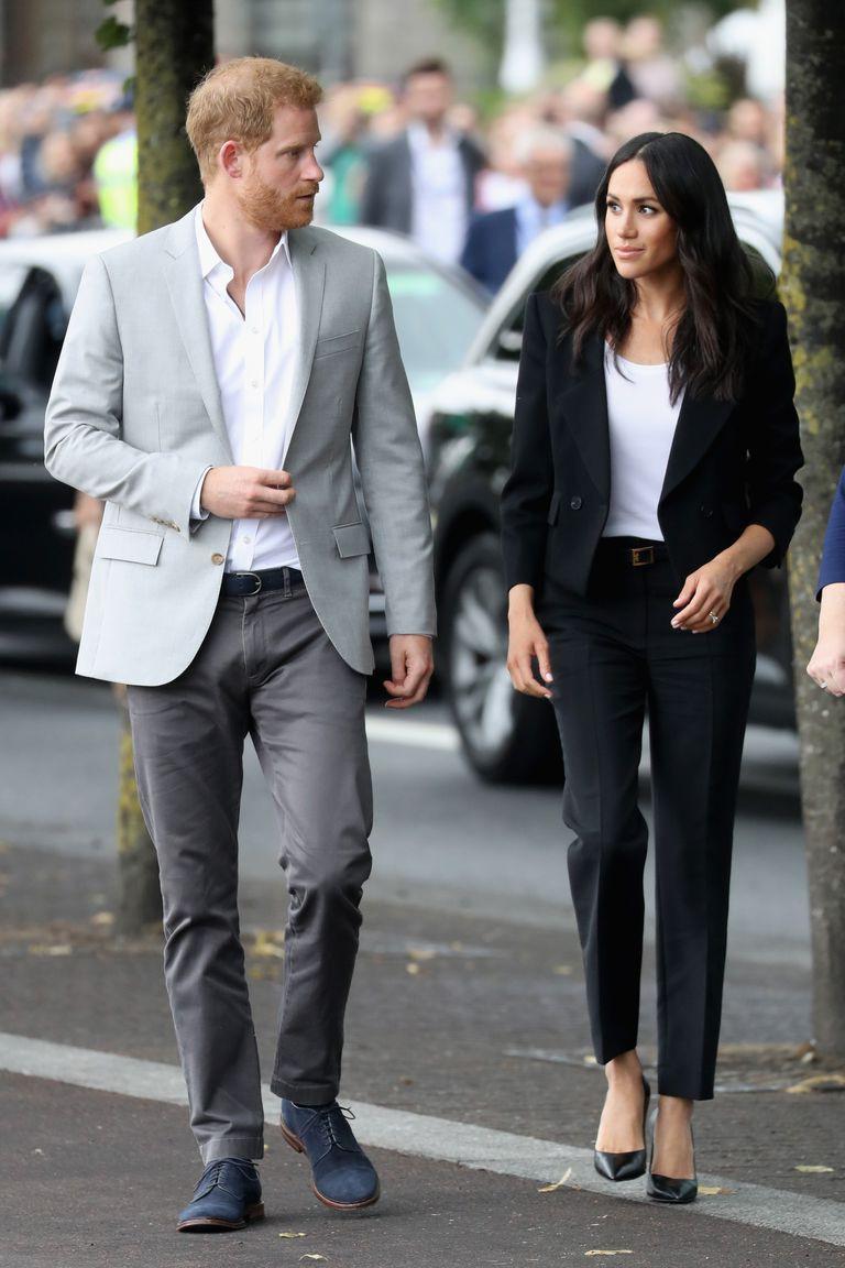 Dù rất đẹp nhưng đây lại là kiểu trang phục hoàng tử Harry không muốn vợ mình mặc - Ảnh 2.
