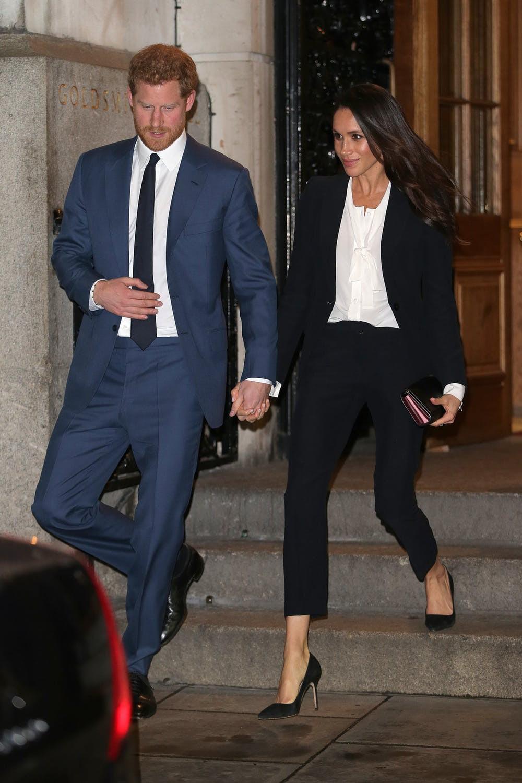 Dù rất đẹp nhưng đây lại là kiểu trang phục hoàng tử Harry không muốn vợ mình mặc - Ảnh 4.