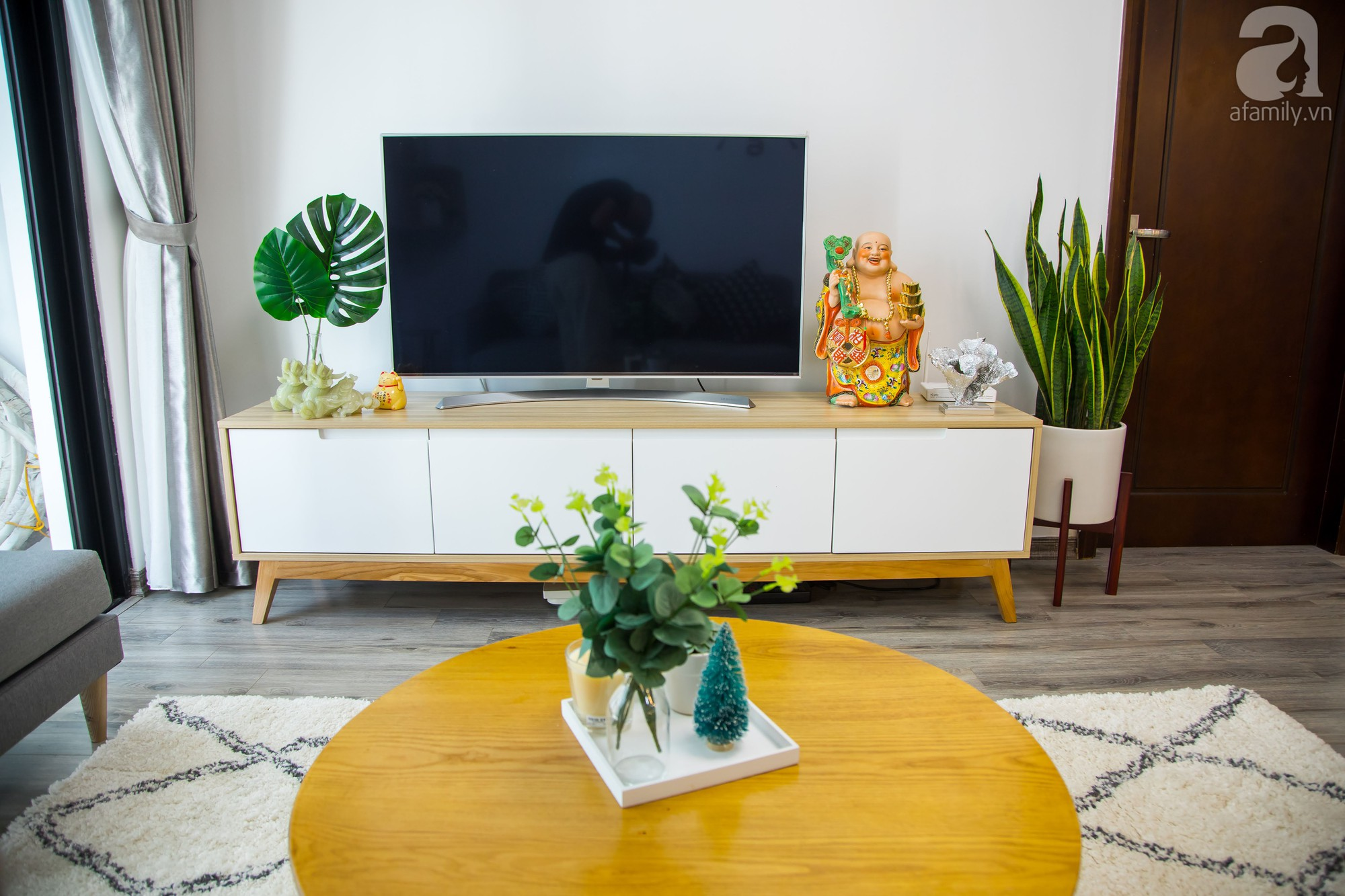 Căn hộ trên tầng cao đẹp duyên dáng với phong cách Scandinavian giữa lòng Hà Nội của đôi vợ chồng trẻ - Ảnh 6.
