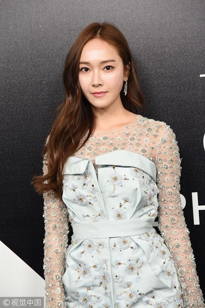 Jessica Jung khoe nhan sắc trong veo và gu thời trang đẳng cấp tại show diễn thời trang - Ảnh 7.