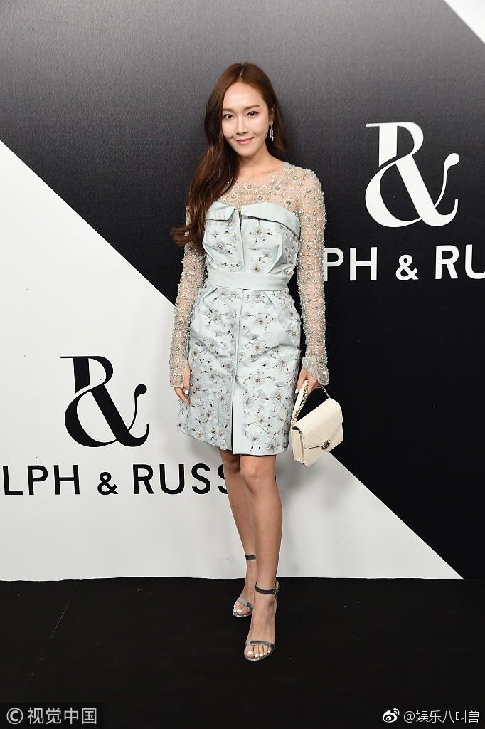 Jessica Jung khoe nhan sắc trong veo và gu thời trang đẳng cấp tại show diễn thời trang - Ảnh 8.