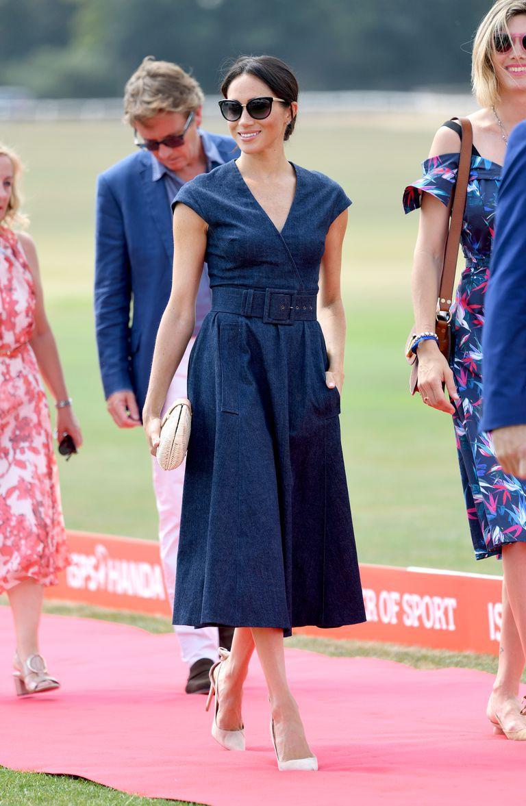Chiếc clutch tay bằng cói chỉ hơn 700 ngàn có gì đặc biệt mà cả em dâu lẫn em gái của Công nương Kate đều mê  - Ảnh 1.