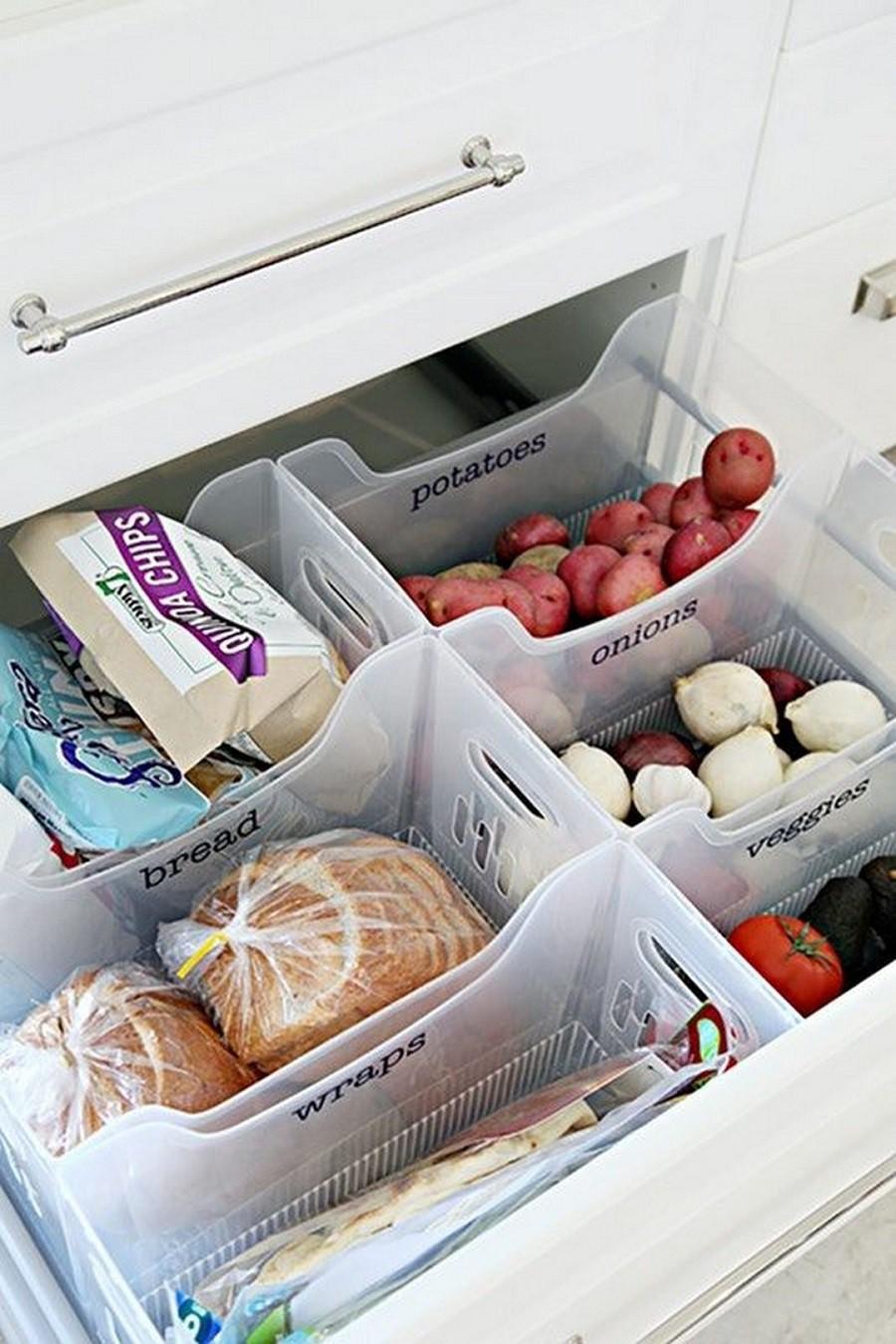 Muốn tủ bếp lúc nào cũng gọn gàng, ngăn nắp hãy tham khảo ngay những thiết kế lưu trữ đồ dùng làm bếp này - Ảnh 1.