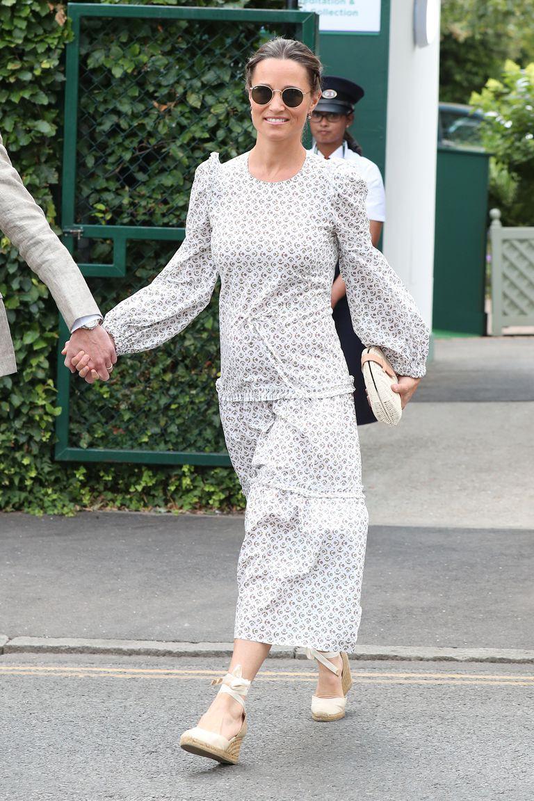 Chiếc clutch tay bằng cói chỉ hơn 700 ngàn có gì đặc biệt mà cả em dâu lẫn em gái của Công nương Kate đều mê  - Ảnh 3.