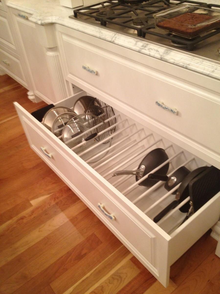 Muốn tủ bếp lúc nào cũng gọn gàng, ngăn nắp hãy tham khảo ngay những thiết kế lưu trữ đồ dùng làm bếp này - Ảnh 11.