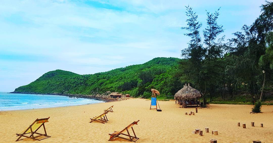 Không phải Sầm Sơn, Bãi Đông mới là bãi biển hot nhất Thanh Hóa, bạn nên đi ngay trước khi hết hè - Ảnh 3.