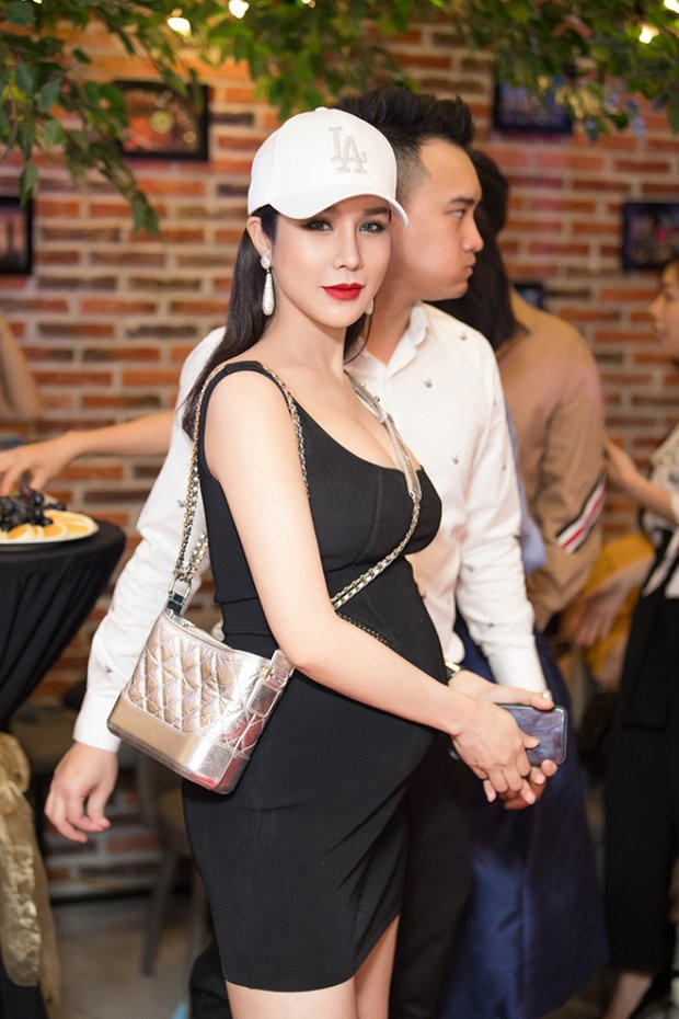 """Bà bầu """"ngầu nhất showbiz"""" chắc hẳn thuộc về Diệp Lâm Anh, bởi bụng càng to diện đồ lại càng chất  - Ảnh 2."""
