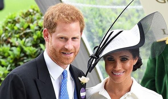 Bố Meghan khiến Hoàng gia Anh nổi giận khi đưa ra phát ngôn nhạy cảm: Công nương Diana không hoàn hảo - Ảnh 2.