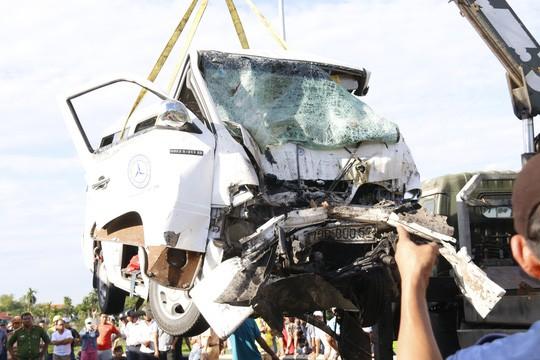 Nhân chứng kể lại phút xảy ra vụ tai nạn thảm khốc 13 người chết - Ảnh 2.