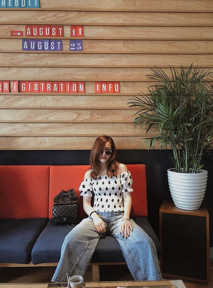 Nhìn xa tưởng bình thường, nhưng nhìn gần mới thấy được độ táo bạo của chiếc quần mà Angela Phương Trinh mặc  - Ảnh 18.