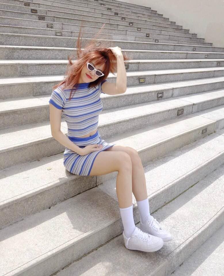 Nhìn xa tưởng bình thường, nhưng nhìn gần mới thấy được độ táo bạo của chiếc quần mà Angela Phương Trinh mặc  - Ảnh 21.