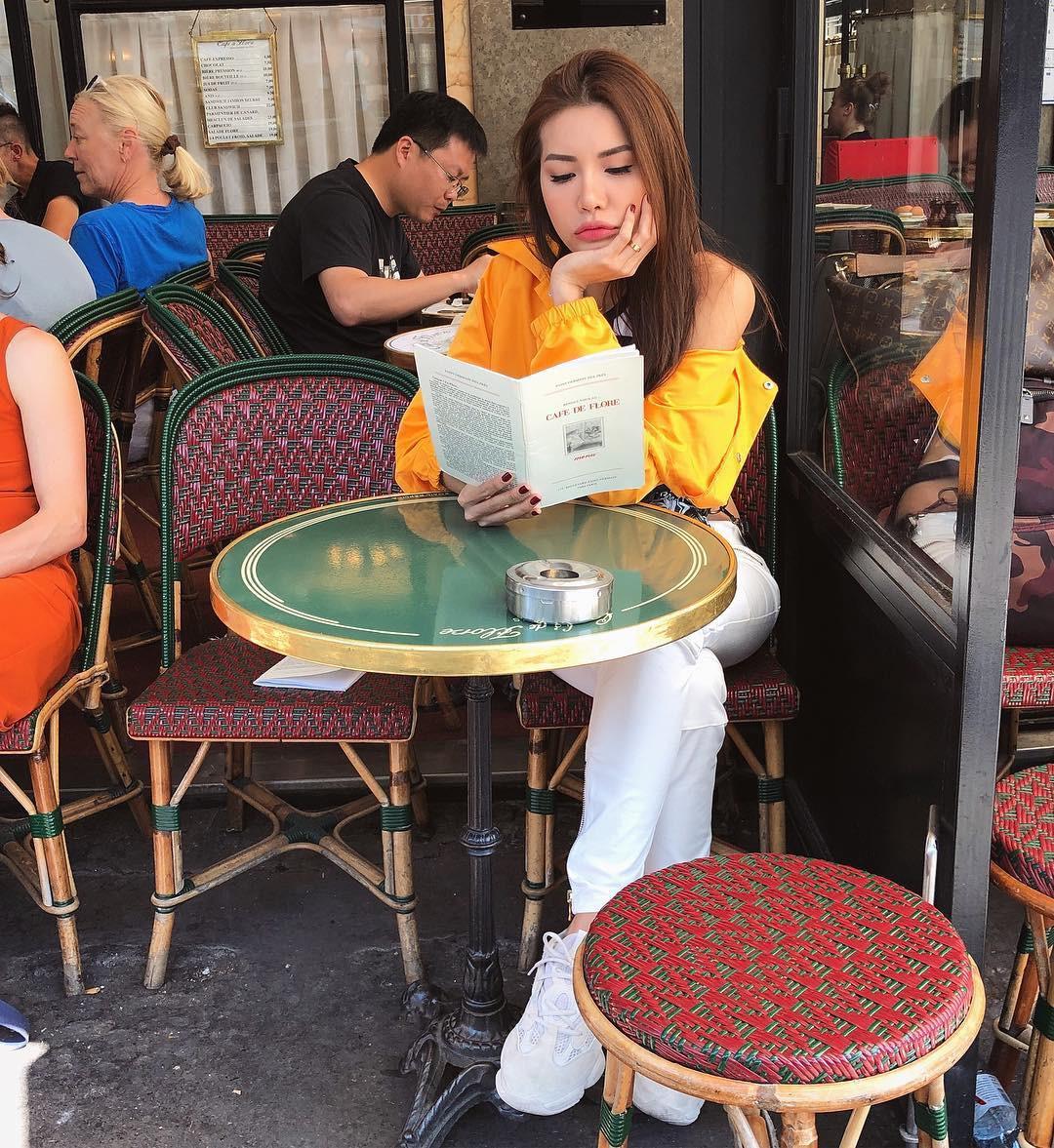 Nhìn xa tưởng bình thường, nhưng nhìn gần mới thấy được độ táo bạo của chiếc quần mà Angela Phương Trinh mặc  - Ảnh 25.