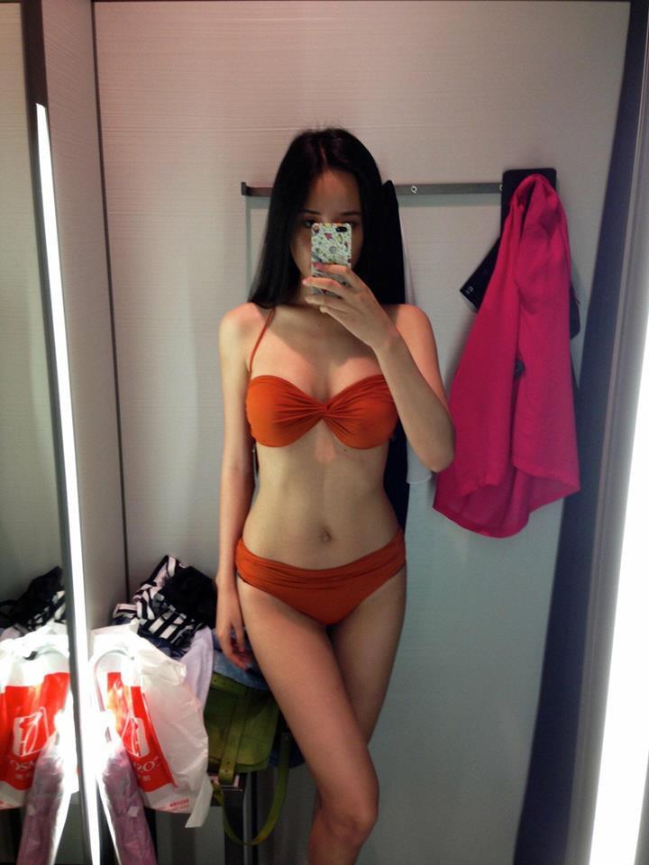 Mai Phương Thúy khoe ảnh diện bikini với body 0% mỡ thừa, nhưng sự thật đằng sau đó mới là thứ cô muốn tiết lộ - Ảnh 1.
