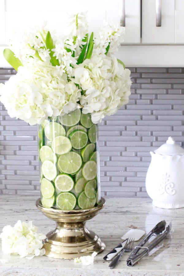 Những cách cắm hoa kèm quả cực ấn tượng để trang trí nhà vào những dịp đặc biệt - Ảnh 2.