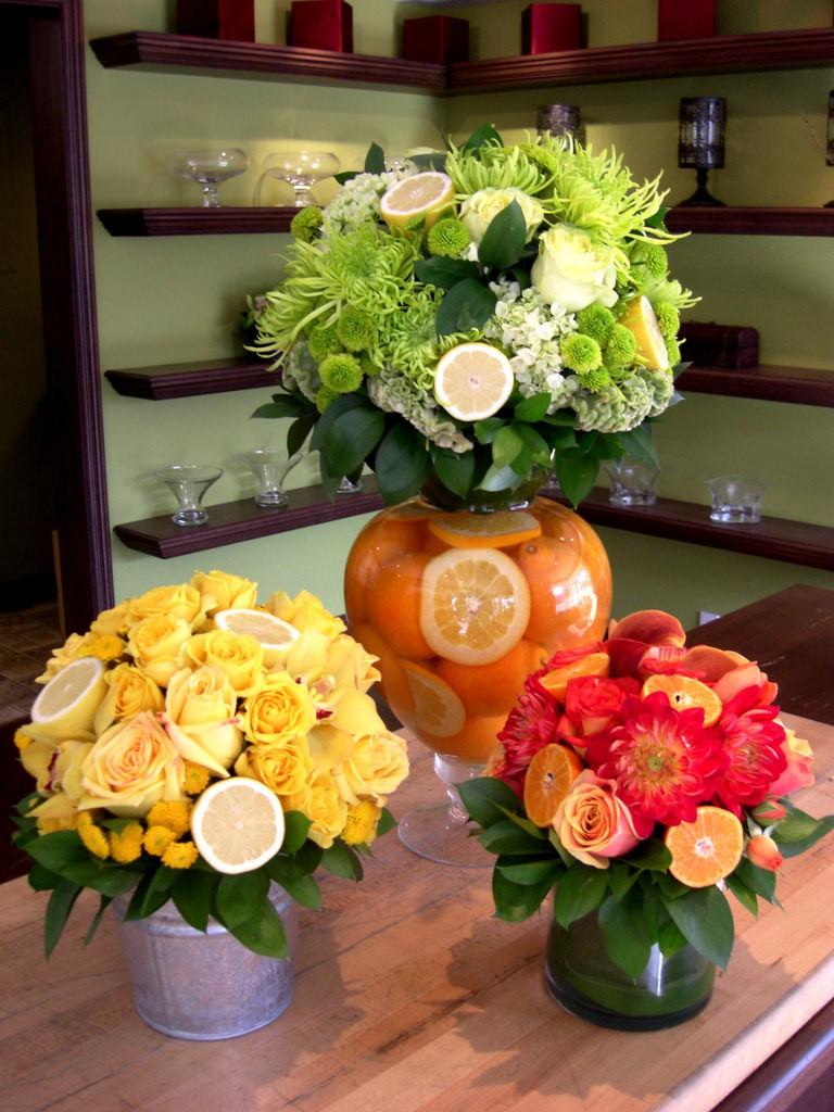 Những cách cắm hoa kèm quả cực ấn tượng để trang trí nhà vào những dịp đặc biệt - Ảnh 9.