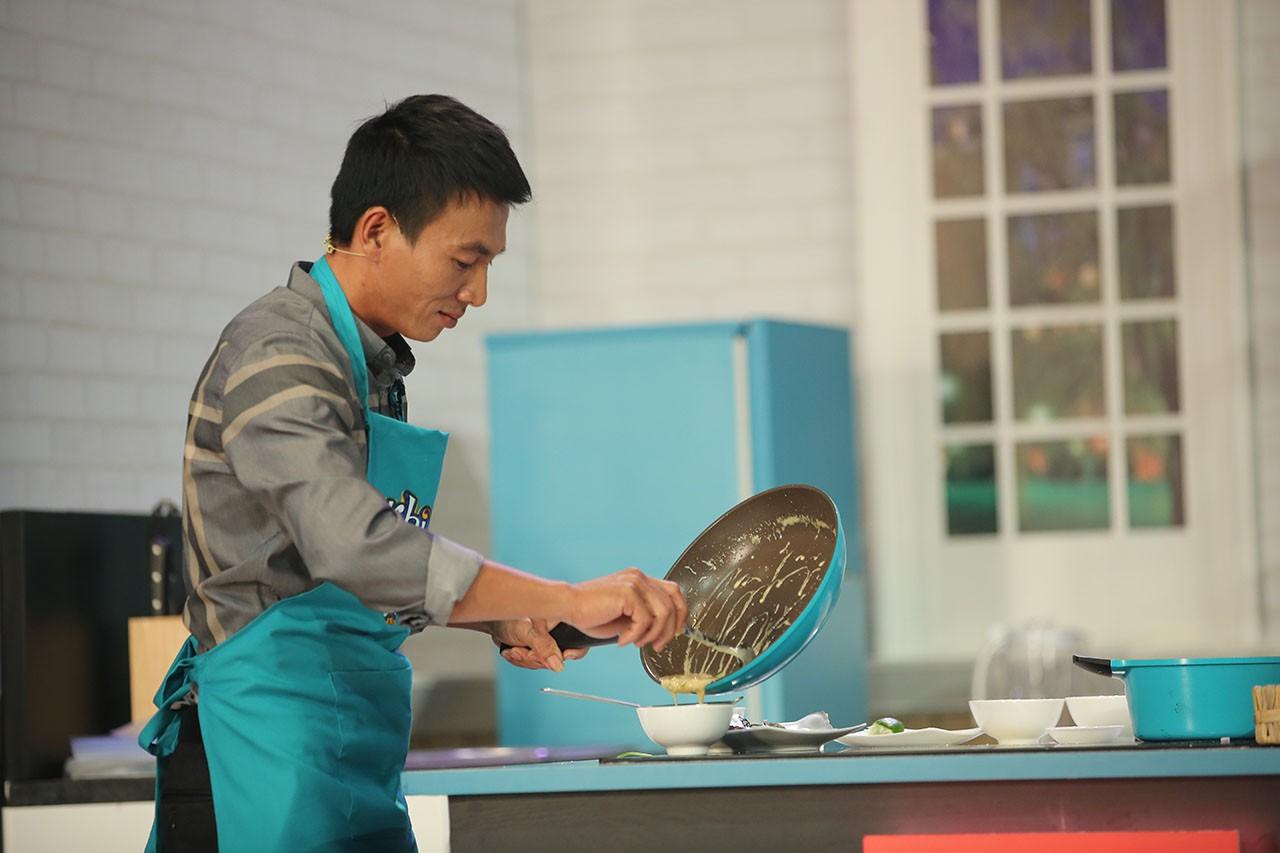 Mê đầu bếp điển trai cực ngầu, Diệu Nhi xổ ngay một tràng tiếng Anh khiến Hari Won bái phục  - Ảnh 9.