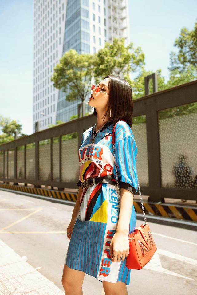Cùng mặc một chiếc áo phông, Hương Giang cao tay hơn Tú Hảo khi biết tiết chế các phụ kiện đi kèm  - Ảnh 6.