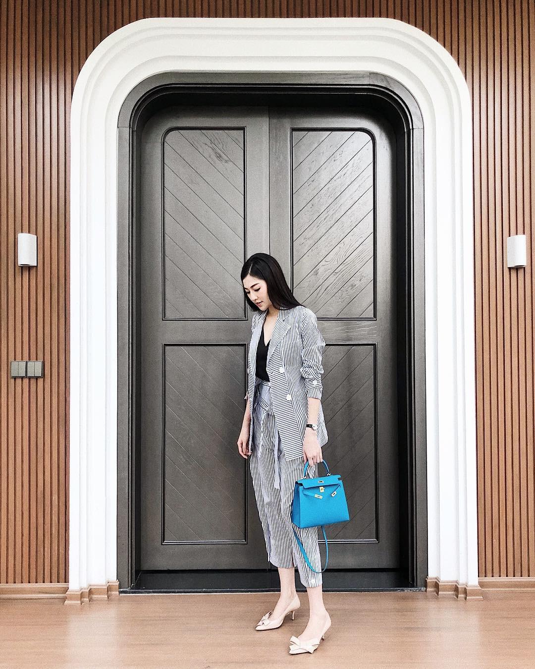 Street style sao Việt tuần này: Hà Hồ - Minh Tú đụng độ ngay thiết kế áo phông trắng giá 300 ngàn - Ảnh 24.