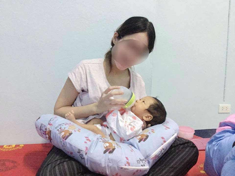 Bị chồng mắng đồ ăn bám, mẹ trẻ định bỏ con gái 17 tháng cho chồng nuôi, còn nói tại nó mà đời em dang dở - Ảnh 2.