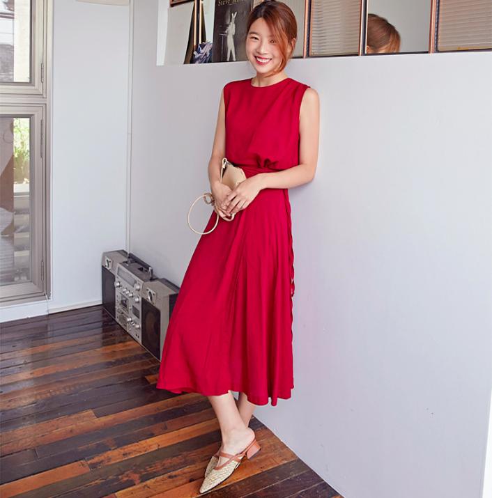 �Chân váy dài có kén dáng thế nào thì chỉ cần diện cùng 5 mẫu giày/dép này là đẹp mĩ mãn - Ảnh 20.