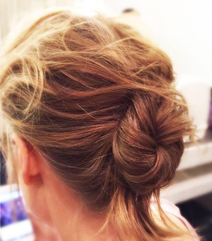 Có tới 13 kiểu tóc búi duyên dáng dành cho nàng tóc mỏng làm điệu mỗi ngày - Ảnh 1.