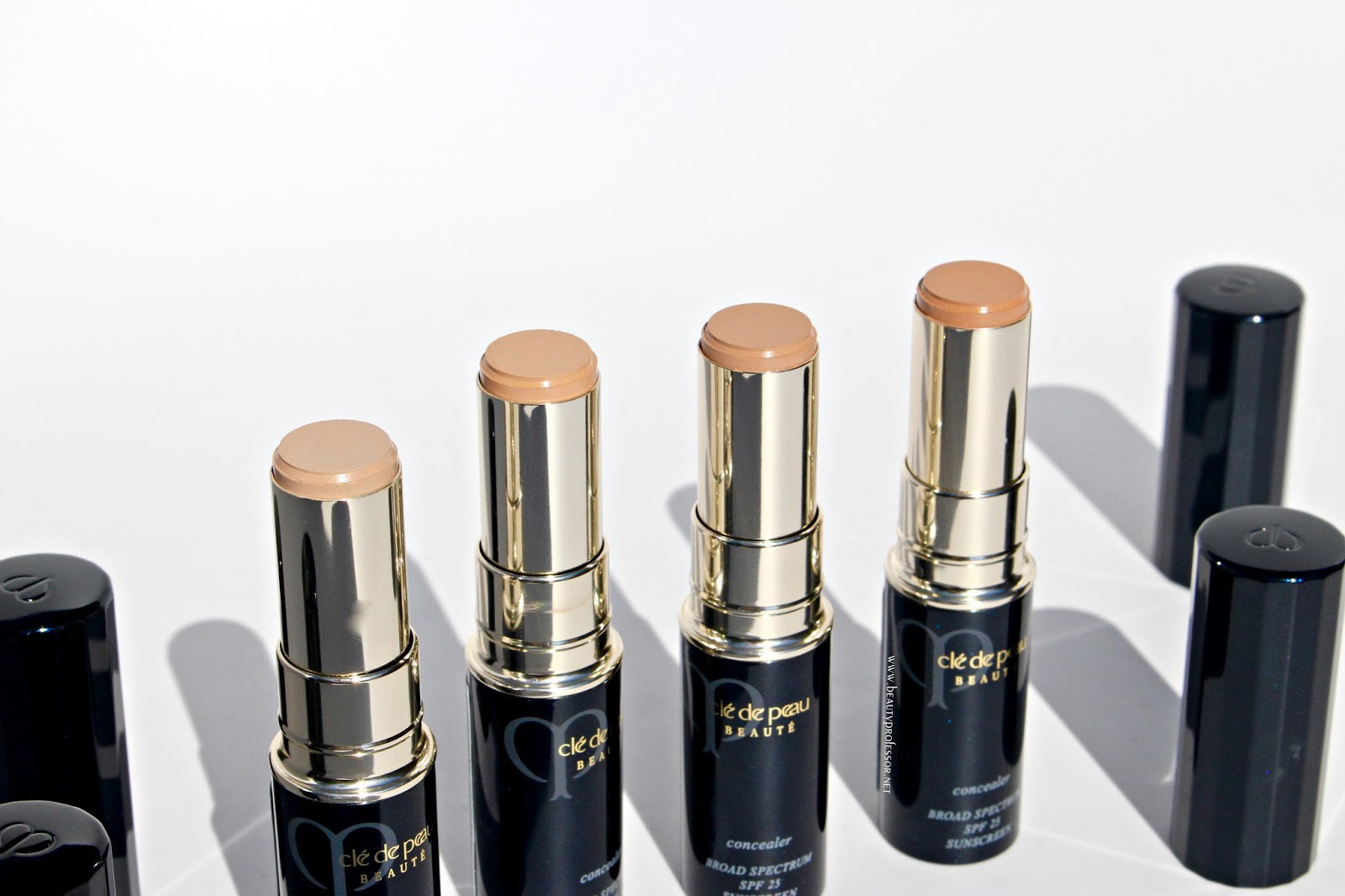 12 sản phẩm làm đẹp bất hủ khiến các beauty editor phải mua đi mua lại liên tục vì chất lượng quá xuất sắc - Ảnh 12.