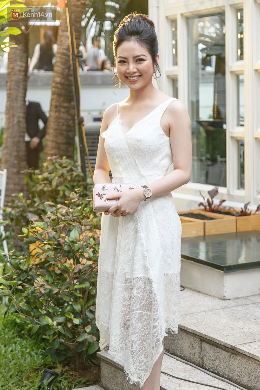 Hoa hậu Mỹ Linh mũm mĩm, Salim biến hình không thể nhận ra trên thảm đỏ của NTK Adrian Anh Tuấn - Ảnh 8.