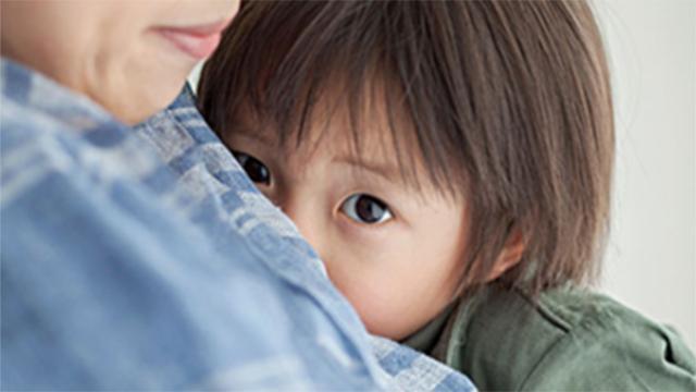 5 hành vi của bé bố mẹ nào cũng tưởng là thói xấu nhưng lại chứng tỏ bé đang dần phát triển thông minh hơn - Ảnh 2.