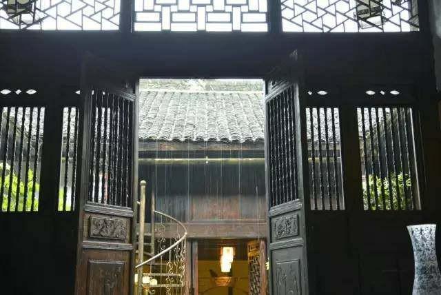 Cải tạo nhà cổ: Cách cải tạo nhà cổ 400 năm của vợ chồng người Đức  - Ảnh 17.