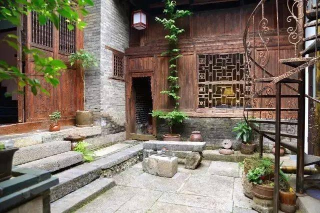 Cải tạo nhà cổ: Cách cải tạo nhà cổ 400 năm của vợ chồng người Đức  - Ảnh 16.