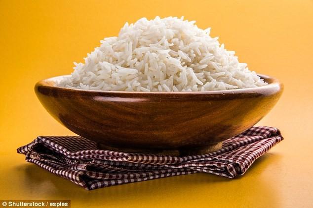 Bảo quản cơm nguội như thế này rồi hâm nóng lại để ăn có thể dẫn đến tiêu chảy, ngộ độc thực phẩm - Ảnh 4.