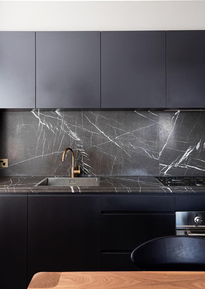 Giữa muôn vàn chất liệu khác nhau thì đá cẩm thạch vẫn luôn là lựa chọn hàng đầu cho mặt bàn bếp - Ảnh 6.